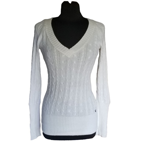 American Eagle V neck Sweater
